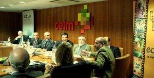 José Luis Zunni: Agapito Fernández, representante en el Global Comitee of Education para Iberia y Latam de Unit4; Salvador Molina; y Antonio Alonso, durante el Encuentro sobre el futuro de la formación de postgrado que organizó Foro ECOFIN  el 6 de noviembre.