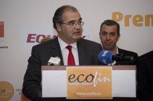 Ángel Ron pronunciando su discurso durante los premios ECOFIN 2015