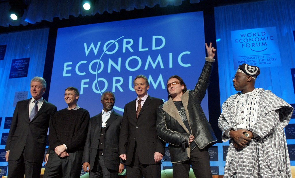 DAVOS/SWITZERLAND, 27JAN05 - William J. Clinton, Founder, William Jefferson Clinton Foundation; President of the United States (1993-2001), William H. Gates III, Co-Founder, Bill & Melinda Gates Foundation; Chairman and Chief Software Architect, Microsoft Corporation, USA; Thabo Mbeki, President of South Africa; Tony Blair, Prime Minister of the United Kingdom; Bono, Musician, DATA (Debt, AIDS and Trade in Africa), United Kingdom, and Olusegun Obasanjo, President of Nigeria (FLTR), captured before the start of the session 'The G-8 and Africa: Rhetoric or Action?' at the Annual Meeting 2005 of the World Economic Forum in Davos, Switzerland, January 27, 2005.  Copyright by World Economic Forum    swiss-image.ch/Photo by Remy Steinegger +++No resale, no archive+++