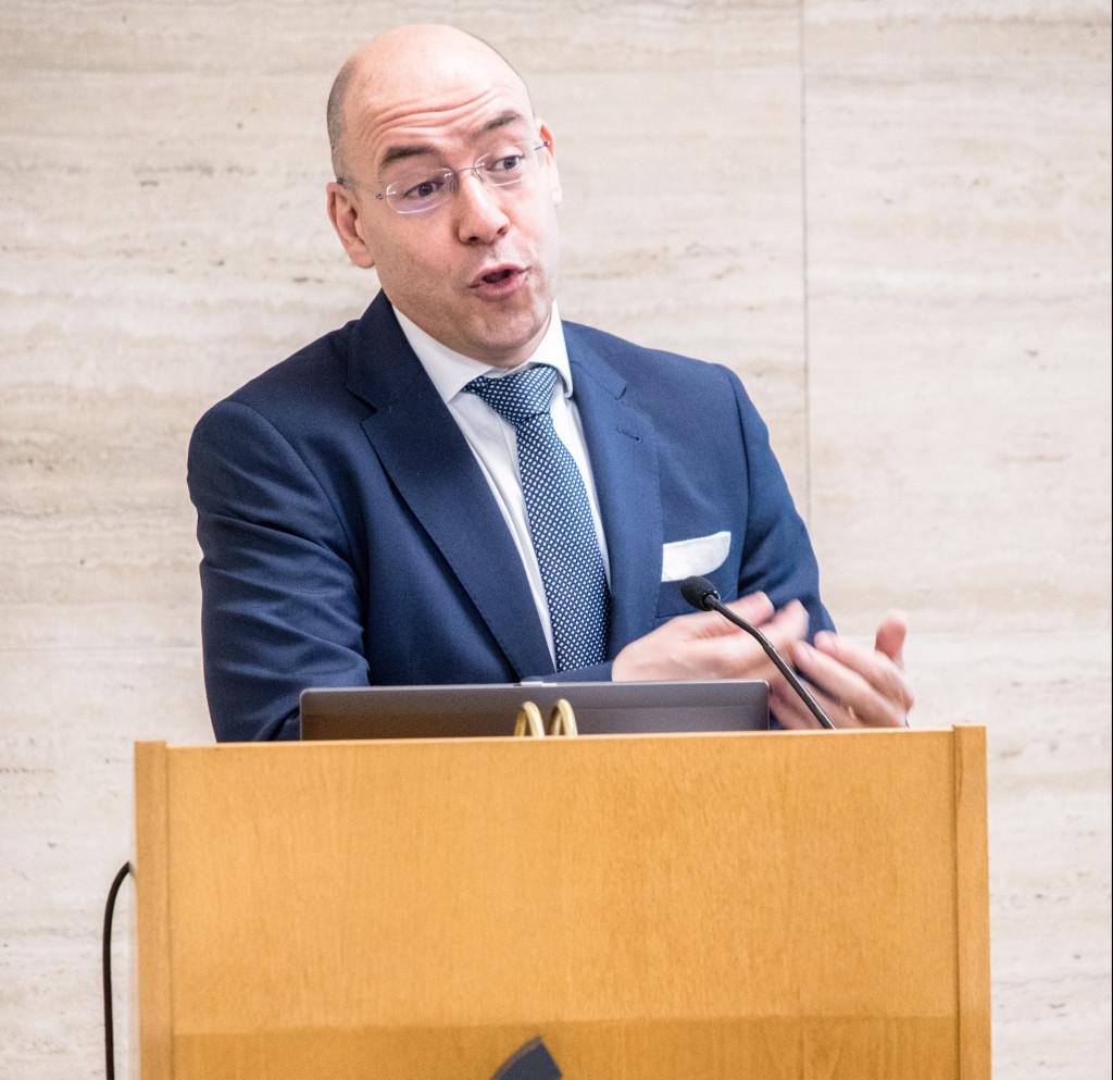 David Cano durante su intervención en el X Congreso ECOFIN en el ICO.