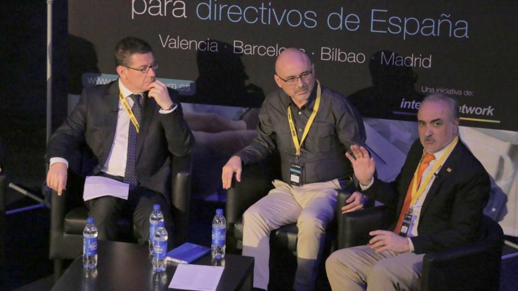 Salvador Molina, presidente de Foro ECOFIN, durante su intervención en el Forum Finanzas. (derecha).