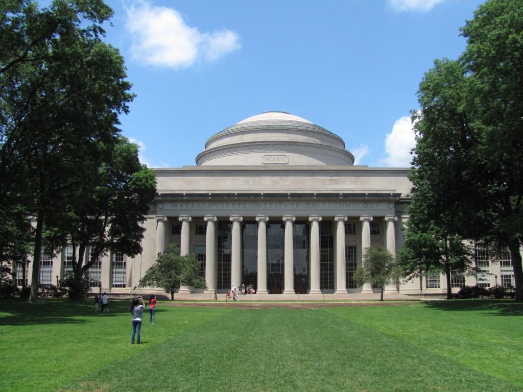 El Instituto Tecnológico de Massachussets.