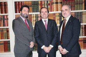 Rafael Sierra y Santiago Díez, director y consejero de El Asesor Financiero, y Salvador Molina, presidente de Foro ECOFIN.