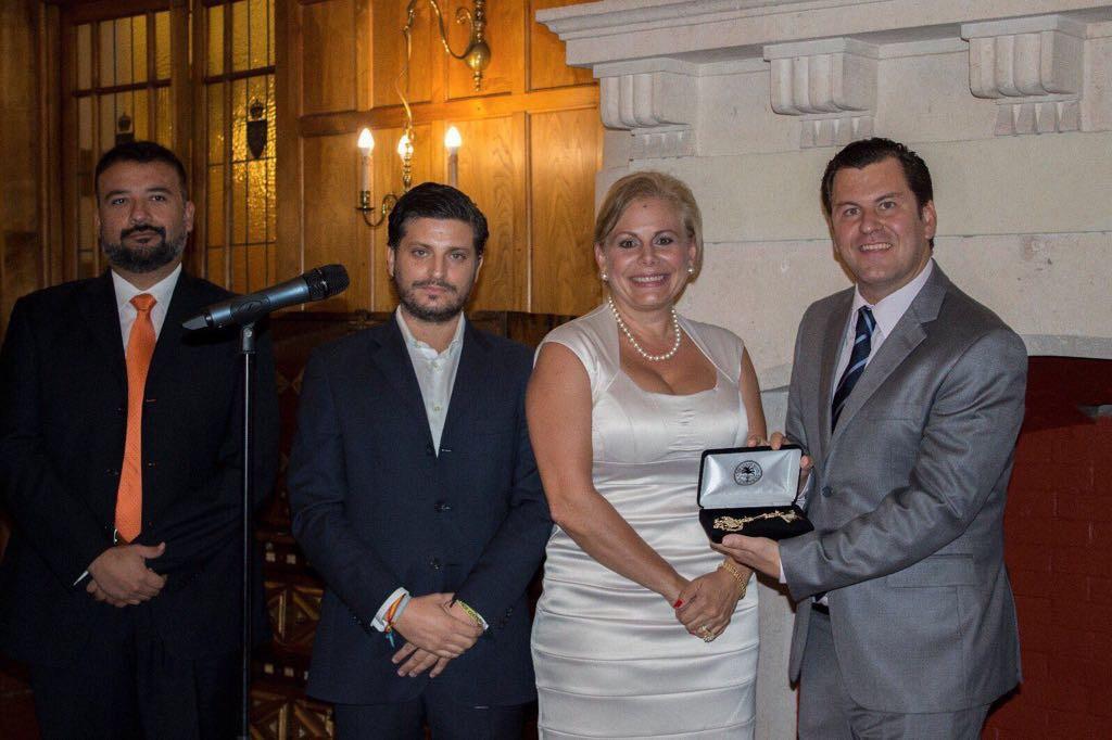 La primera dama de Miami mostró el apoyo al GYLF con la entrega de las llaves de la ciudad al presidente del foro y también a la alcaldesa de Santander durante la noche del domingo 24.