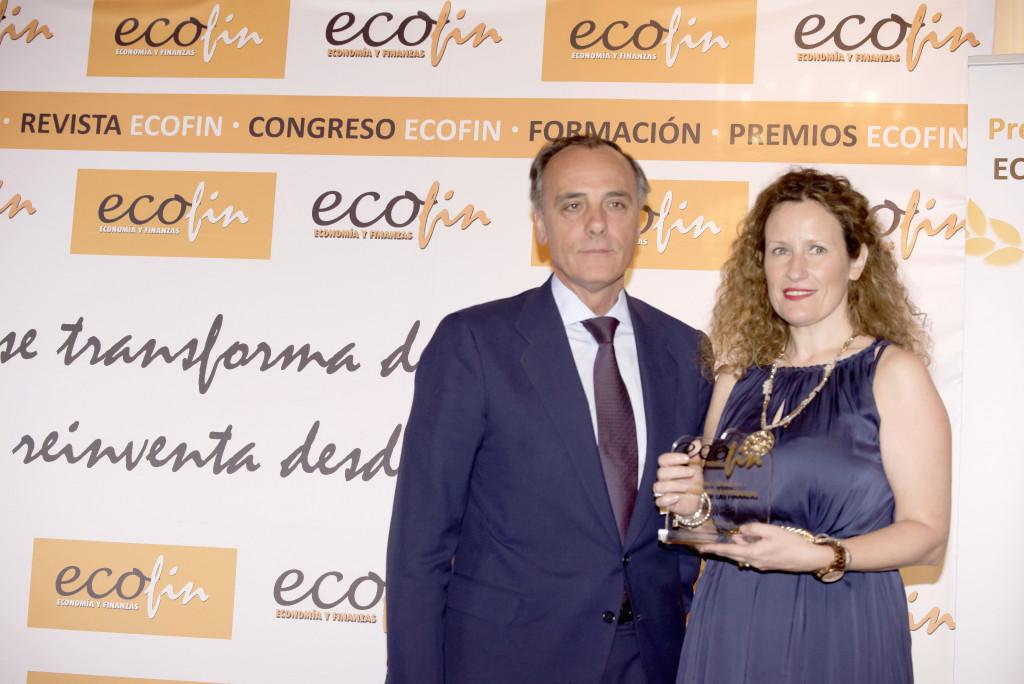 May López, cofundadora de Bewego recoge el premio Titanes por su carácter innovador.