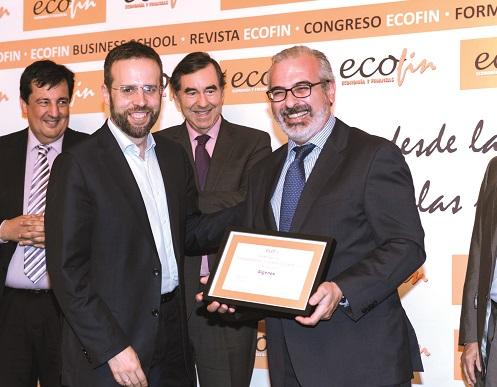 José Ángel M. Escribano recoge el Premio del Jurado de ECOFIN 2017.