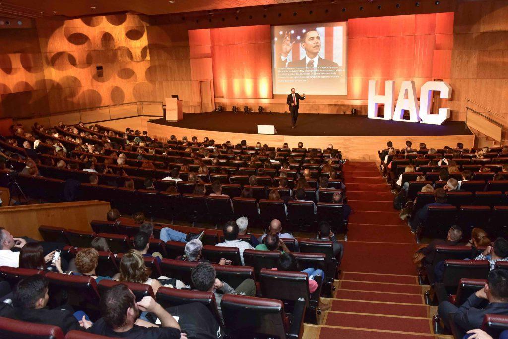 HAC Business School premia la trayectoria profesional de Salvador Molina