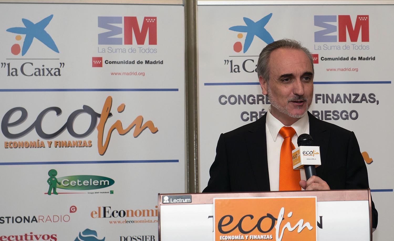 Salvador Molina, presidente de Foro ECOFIN, durante la entrega de premios del Congreso ECOFIN 2013.