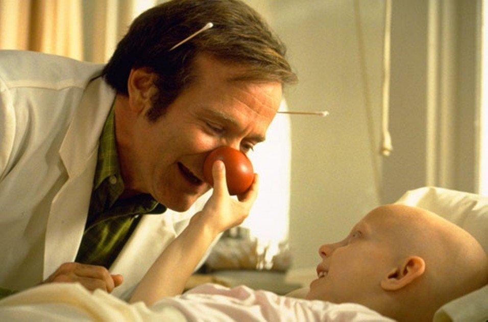 Fotograma de la película 'Patch Adams' (1998).