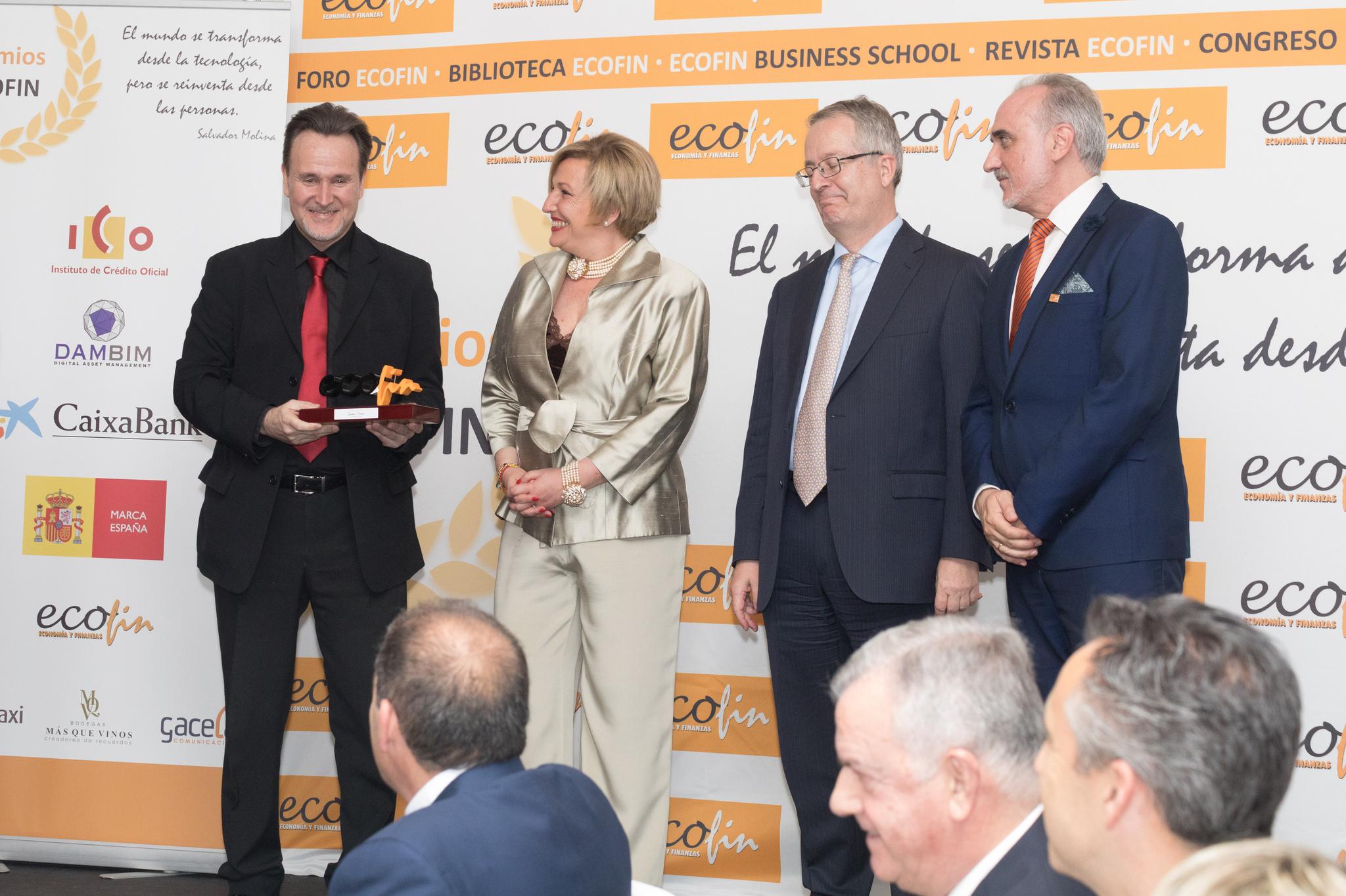 De izquierda a derecha: Gustavo Ferreiro, Ofelia Santiago, miembro del Comité Científico ECOFIN, Javier Fernández Aguado y Salvador Molina (Fotografía: Laura Bonachea).