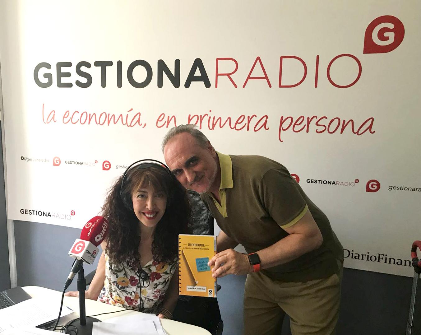 María José Bosch y Salvador Molina en los estudios de Gestiona Radio.