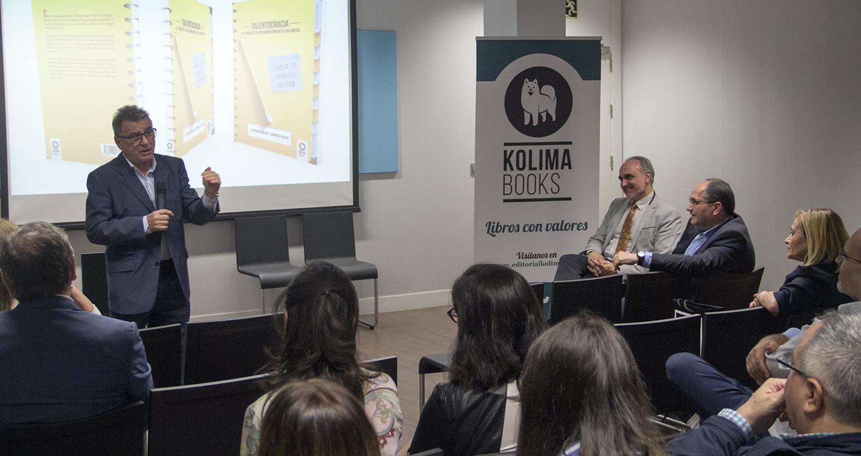 De izquierda a derecha: Manolo Royo, Salvador Molina y Eduardo Toledo durante la presentación del nuevo libro 'Talentocracia'.