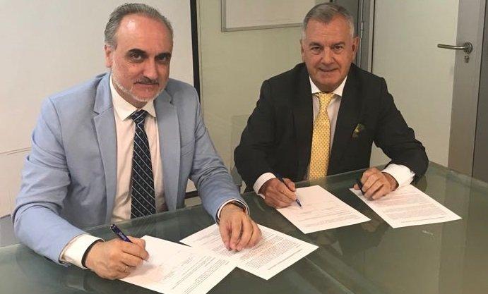 Tomás Ariceta (CEO de Entelgy) y Salvador Molina (presidente de ECOFIN) firman este nuevo joint venture.
