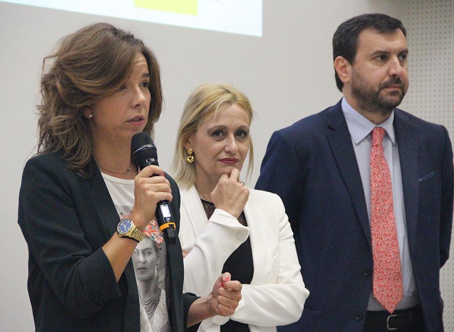 Paula Gómez-Angulo Amorós, directora general de la Mujer, y Carmen Mª García, presidenta de la Fundación Woman's Week.