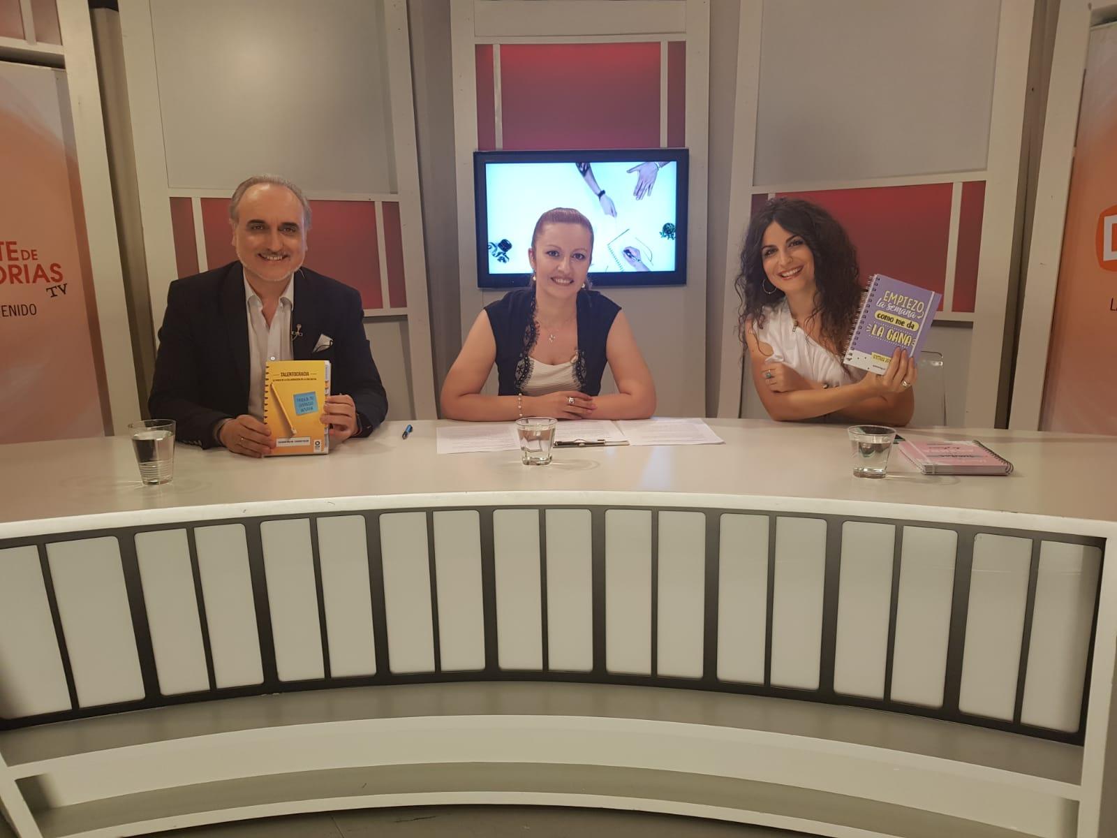 Salvador Molina en el plató de Déjate de Historias TV