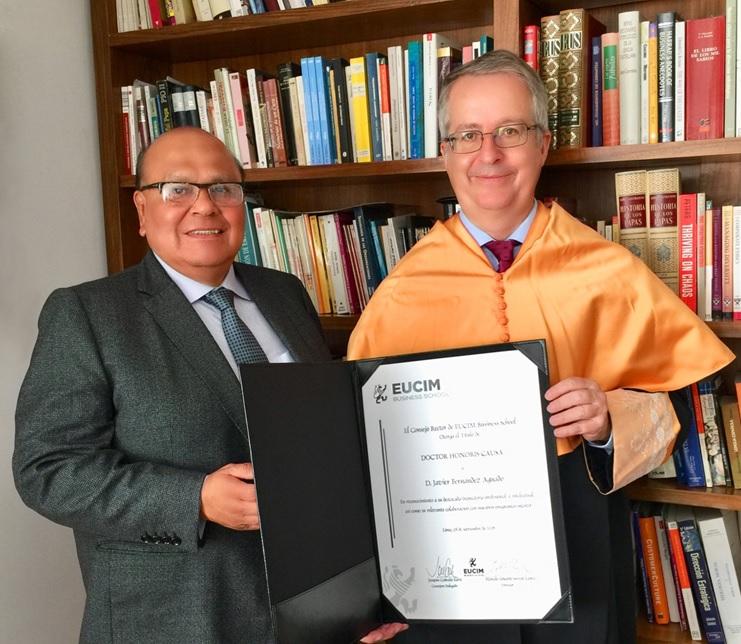 Marcelo Eduardo Servat López, director de EUCIM, con Javier Fernández Aguado.