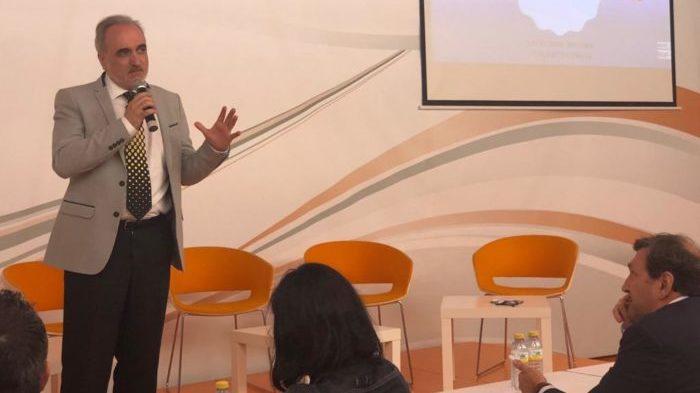 Salvador Molina participó en la novena edición del Congreso Internacional de Negocios y Comercio Exterior.