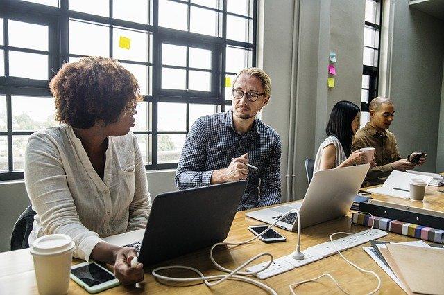 Lo más poderoso de la nueva sociedad colaborativa que nos aporta la economía digital está en la vida interior de las empresas.