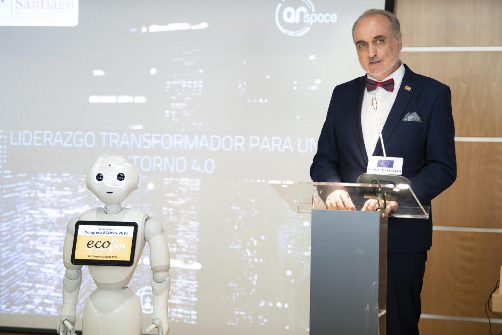 El presidente de Foro ECOFIN, Salvador Molina, al final del Congreso ECOFIN 2019 / Fotografía: Noemí García.
